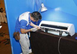 Samsung hỗ trợ sửa chữa tivi cho người dân vừa bị lũ lụt tại 3 tỉnh miền Trung.