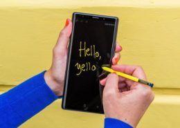 """Chiếc bút nhỏ, màn hình to - Sự khác biệt và """"quyền lực"""" Galaxy Note"""