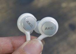 Tai nghe USB Type-C AKG chống ồn của Galaxy Note 10 có giá gần 2 triệu đồng