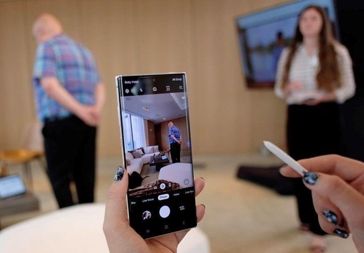 Samsung Galaxy Note 10+ đại chiến iPhone XS Max - smartphone nào chiến thắng?