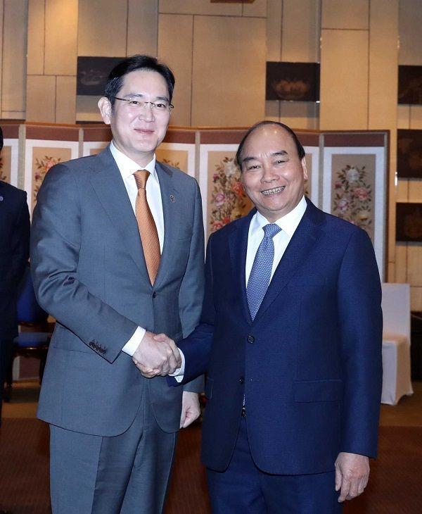 Thủ tướng Nguyễn Xuân Phúc đề nghị Samsung xây dựng nhà máy sản xuất chip ở Việt Nam