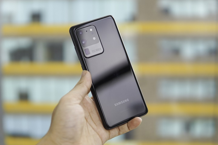 Mở hộp Galaxy S20 Ultra chính hãng giá 30 triệu đồng