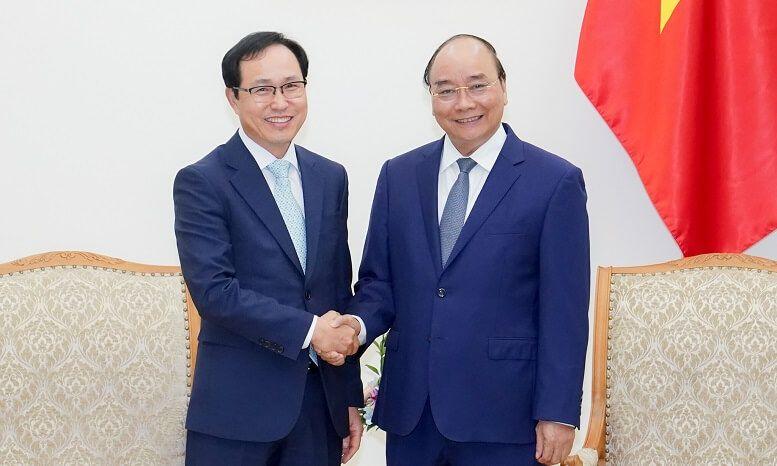 Thủ tướng đề nghị Samsung coi Việt Nam là cứ điểm sản xuất chiến lược