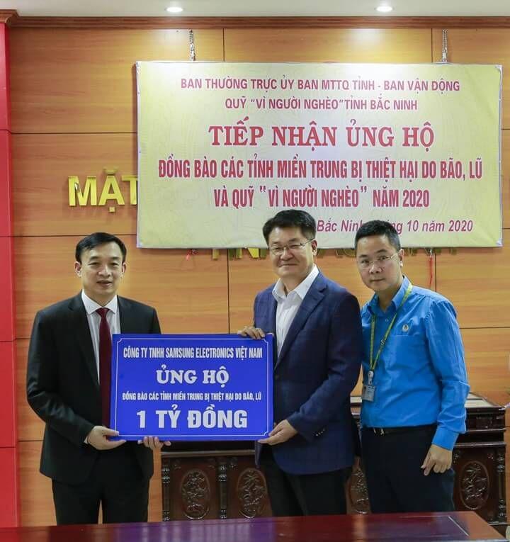 Các nhà máy và nhân viên Samsung Việt Nam ủng hộ 5 tỷ đồng hỗ trợ miền Trung bị ảnh hưởng bởi lũ lụt