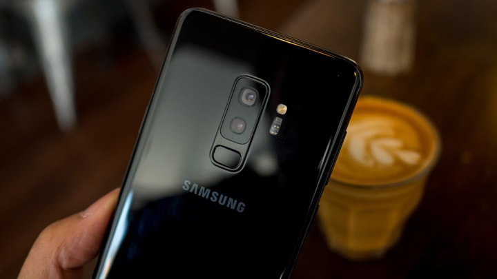Người dùng Galaxy S đời cũ có nên lên đời Galaxy S21 series?