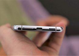 Đây là lý do Samsung không mang jack cắm tai nghe trở lại trên Galaxy S21