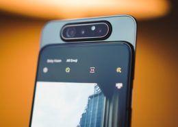 Galaxy A82 sẽ là smartphone tiếp theo của Samsung có camera xoay trượt?