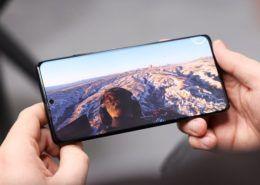 Galaxy S21 Ultra có thời lượng pin ấn tượng nhờ màn hình OLED mới