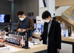 Samsung giành lại ngôi vương smartphone từ tay Apple