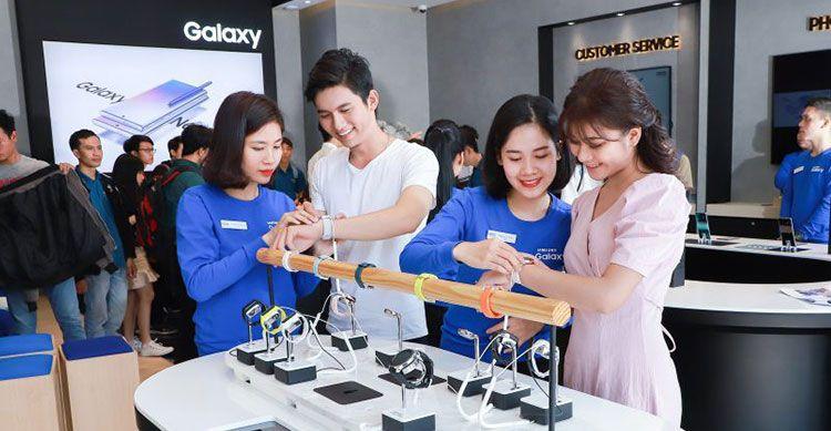 Người dùng Mỹ hài lòng với điện thoại Samsung hơn iPhone