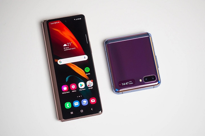 Galaxy Z Fold 2 và Galaxy Z Flip